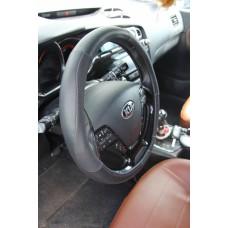 Оплетка на руль автомобиля из кожзаменителя NR 1603